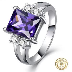 🎀Stunning 925 Amethyst Ring